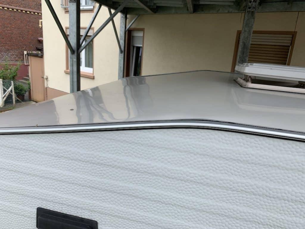 Wohnwagen Dach vorn
